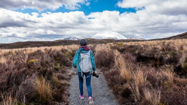 mladá turistka