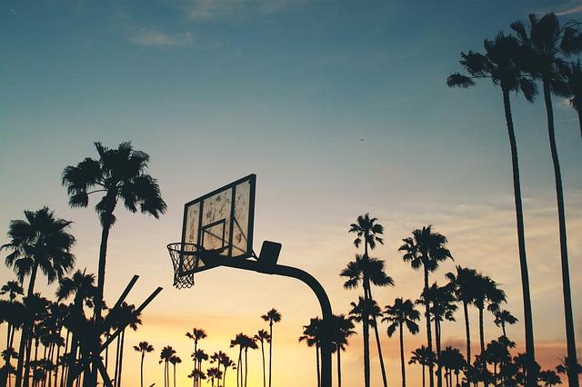 koš na basketbal