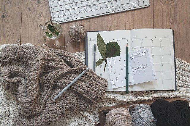 pletení a kniha